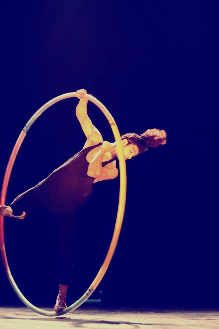 "Border"" Ayoub Merabet spectacle cirque dansé"